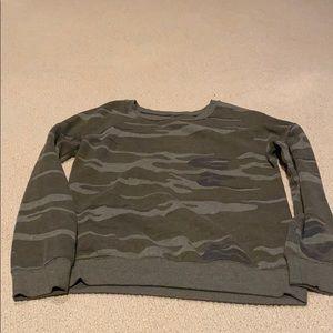 Camo sweatshirt Zoe + Liv